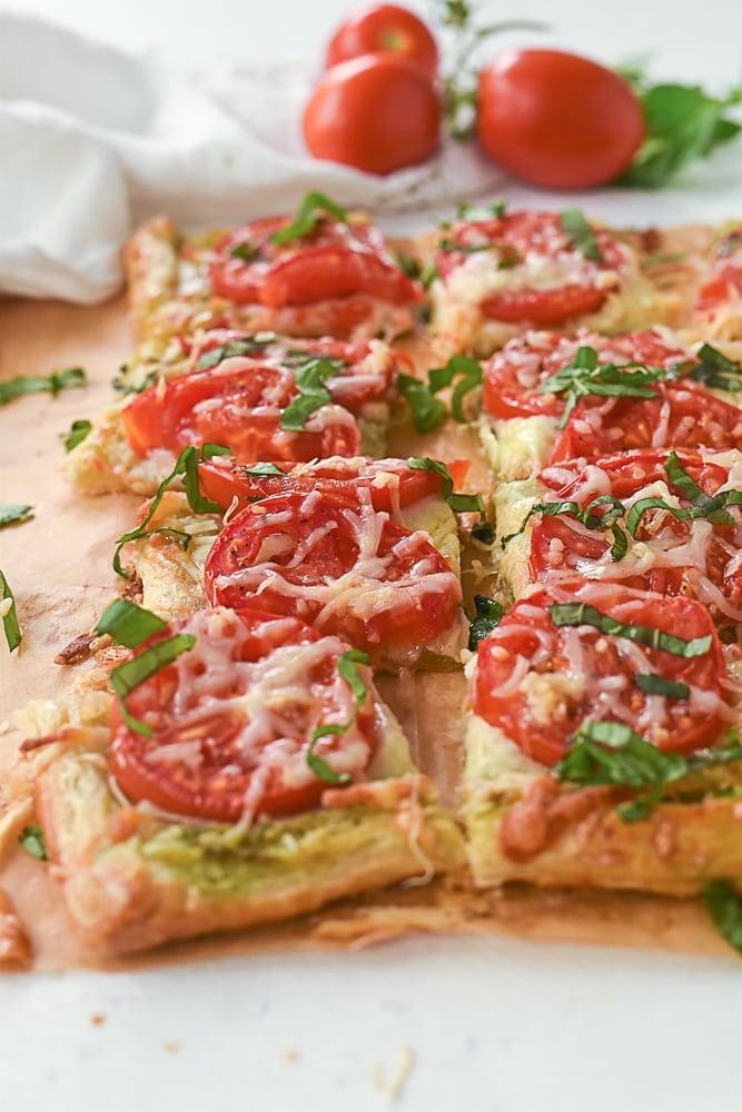 Tomato tart pieces