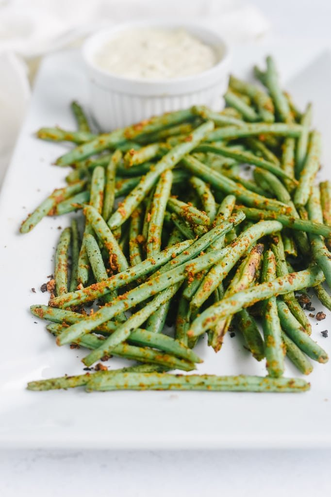 green beans and sauce