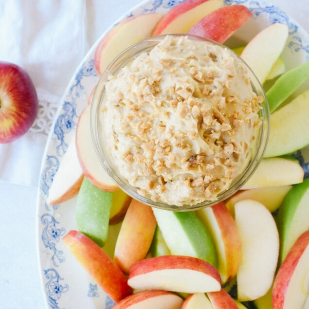 Toffee Apple dip with sliced apples