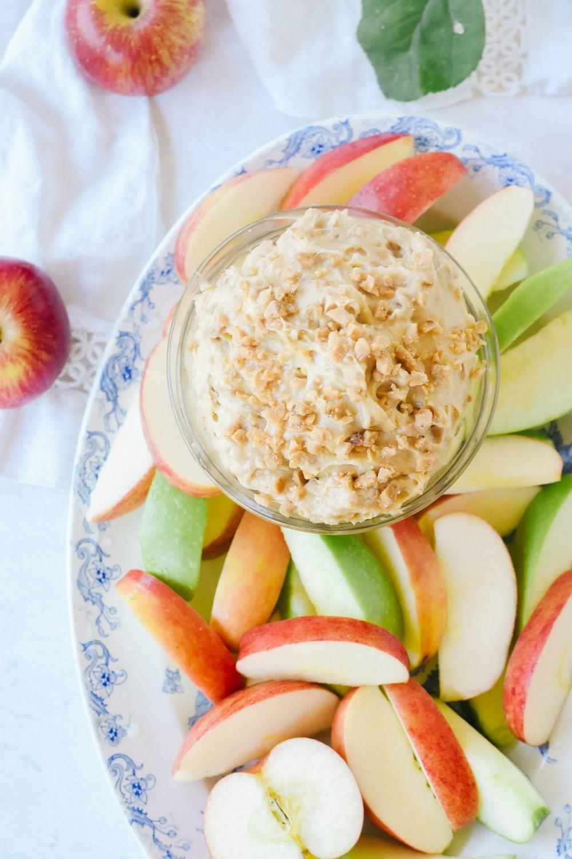 Toffee Apple dip with sliced apples