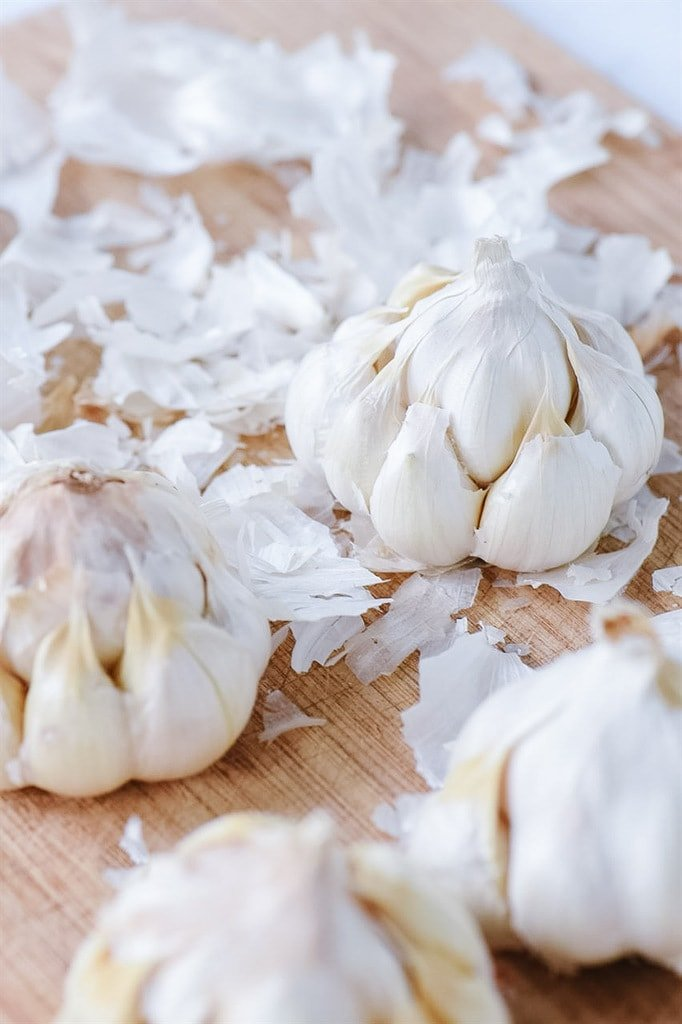 removing skin from garlic heads