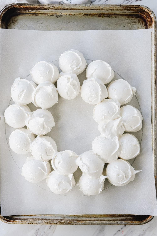Scoops of meringue forming a wreath