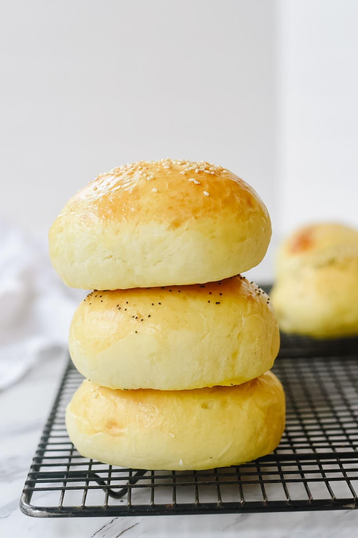 stack of 3 hamburger buns