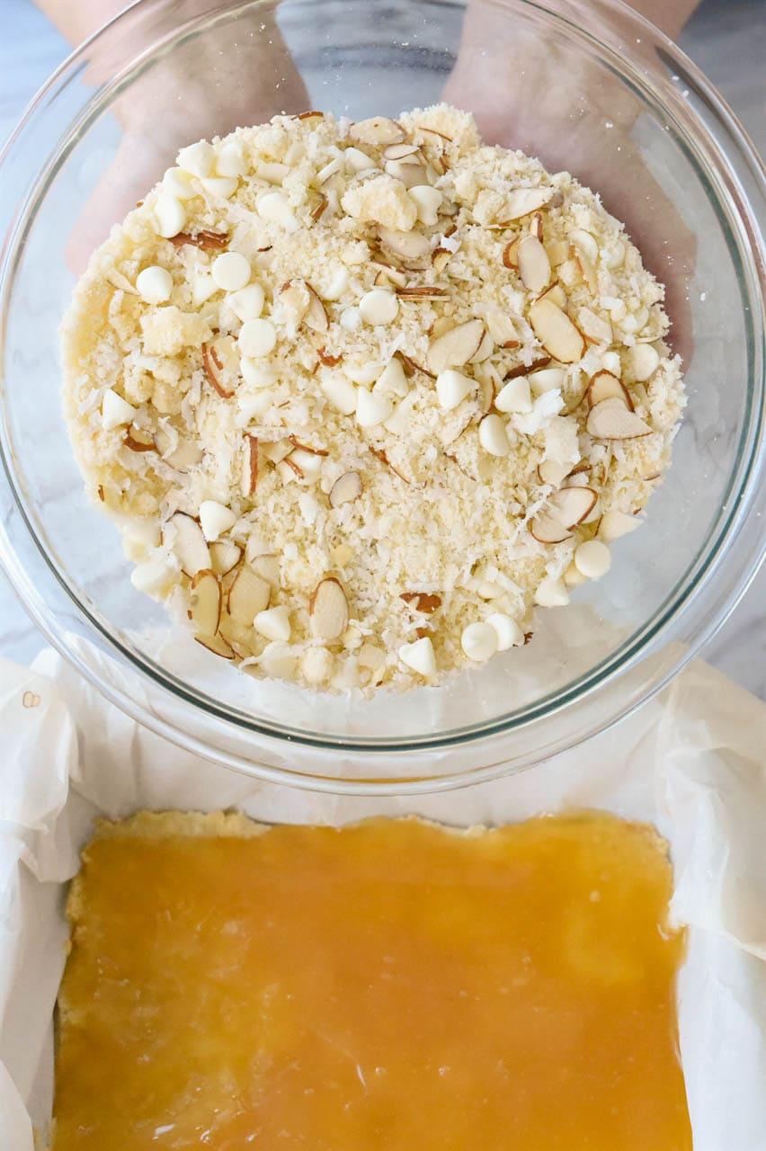 bowl of lemon curd bar topping
