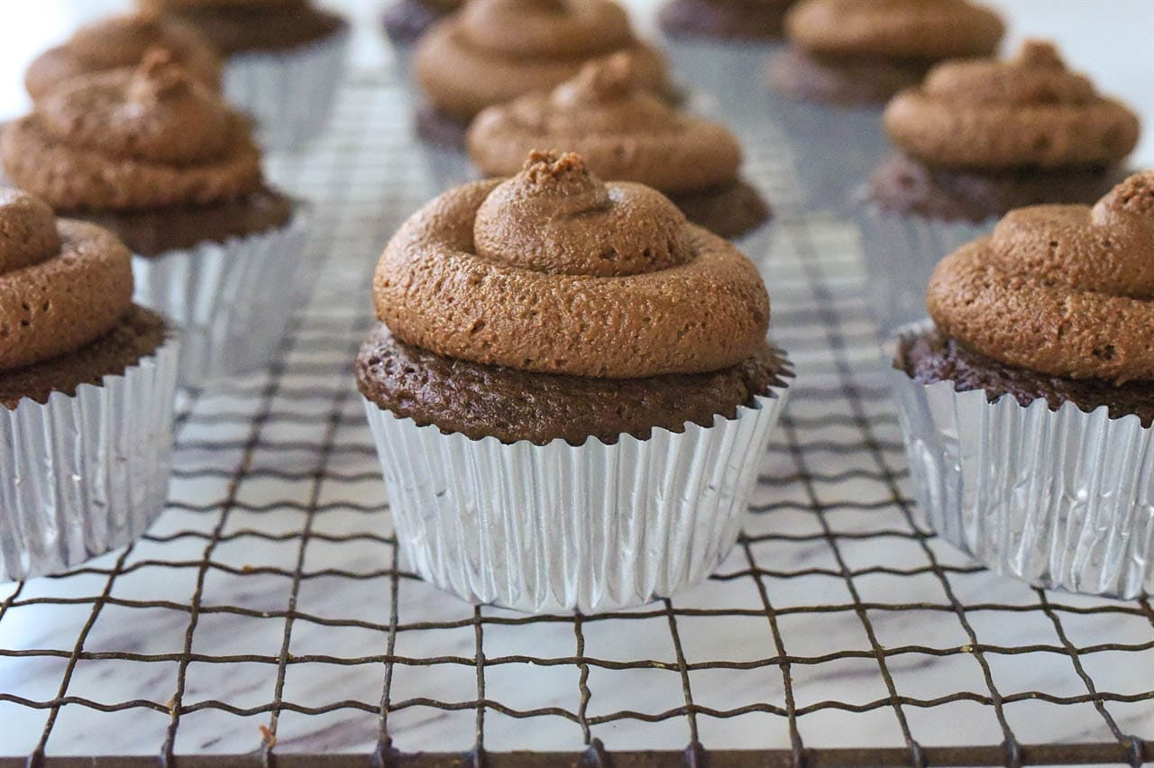 nutella cupcakes with frosting