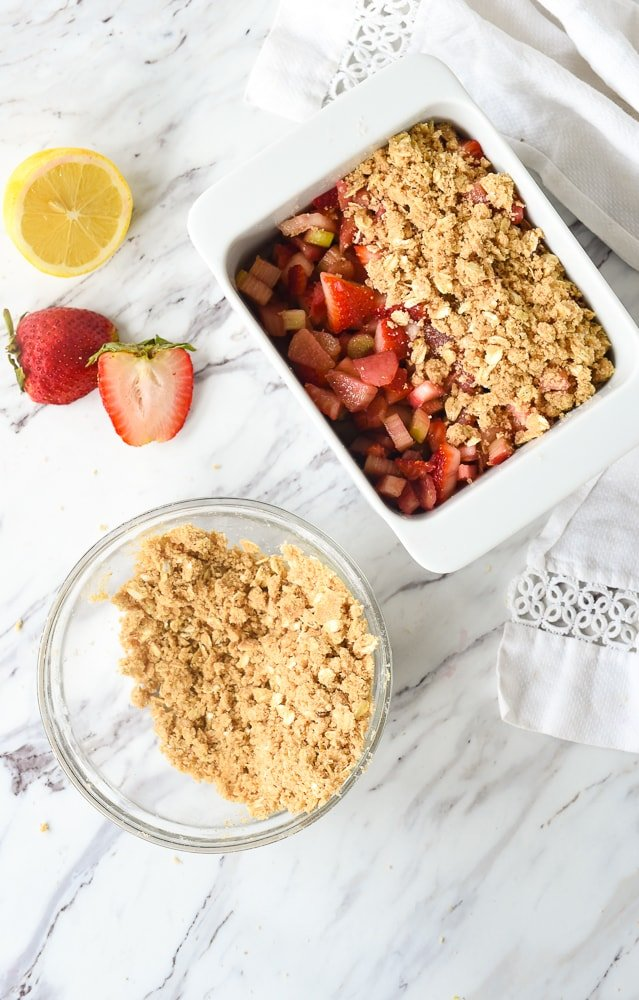 rhubarb crisp topping in a bowl