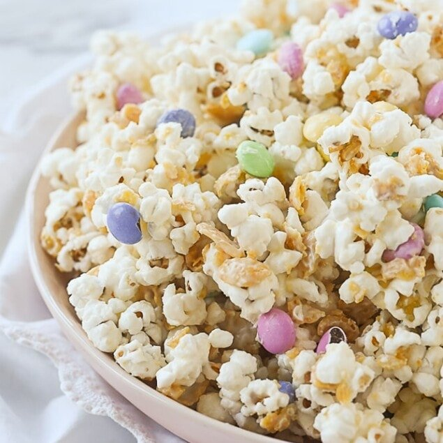 bowl of white chocolate popcorn