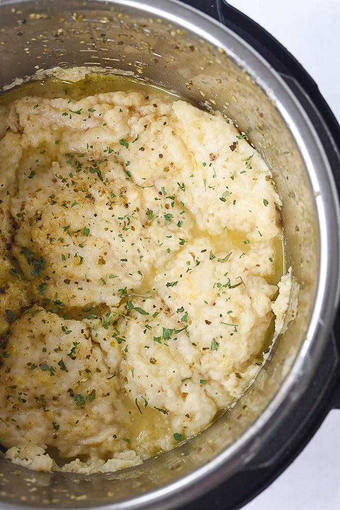 pot of chicken and dumplings