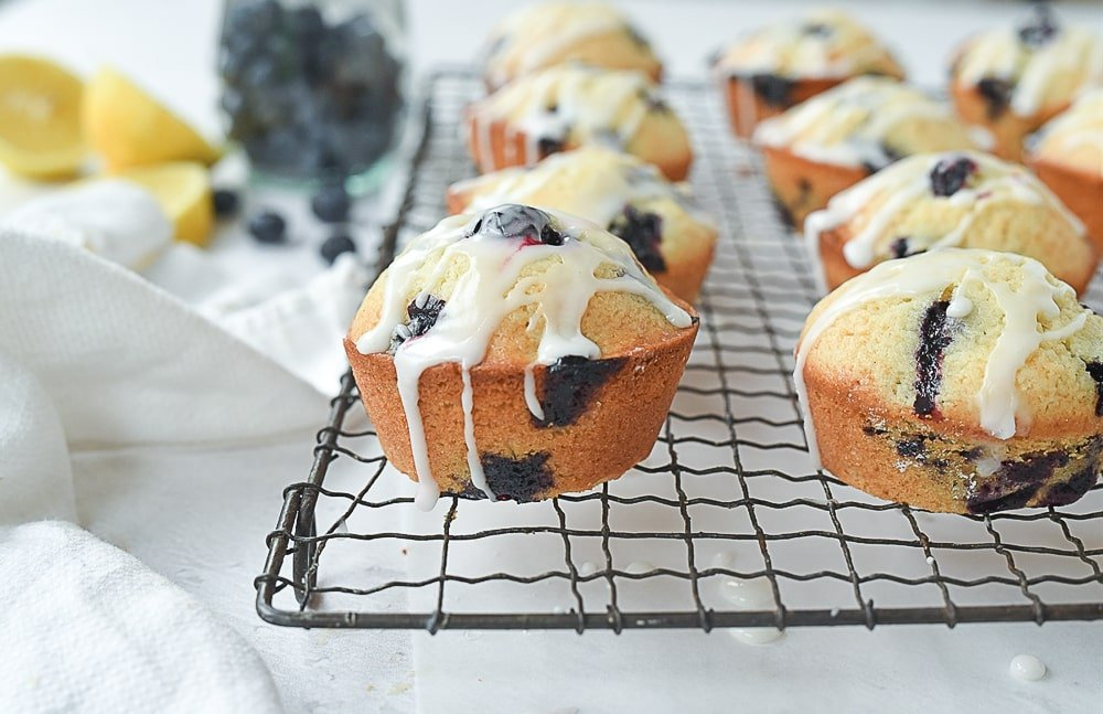 blueberry muffins with lemon drizzle