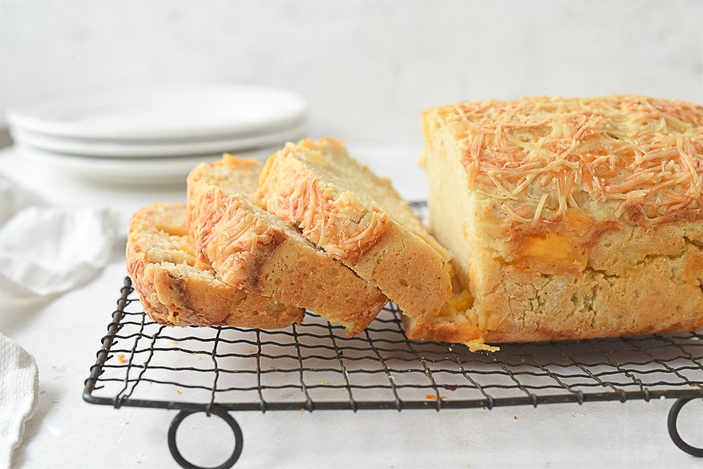 sliced cheese bread