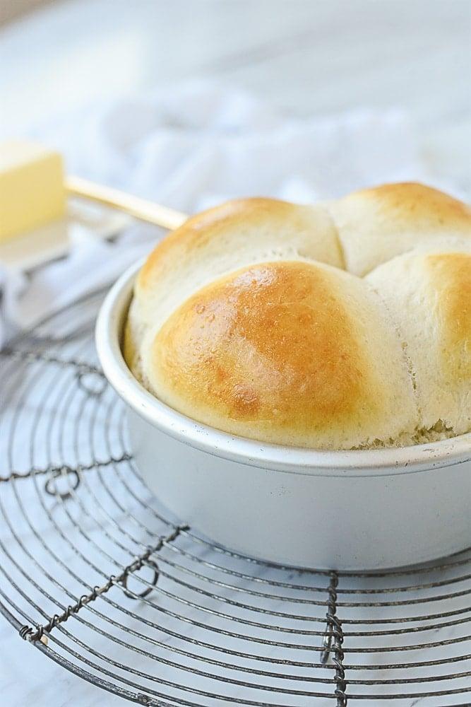 dinner rolls in a pan