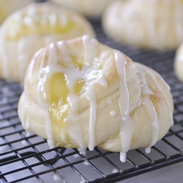 lemon curd rolls