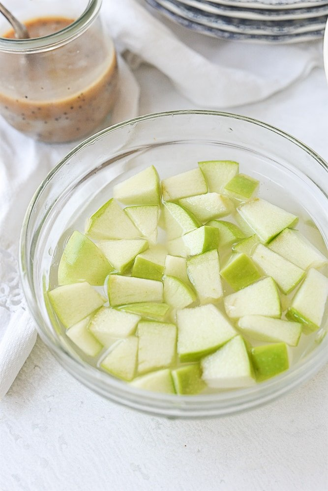 apples in water and salt