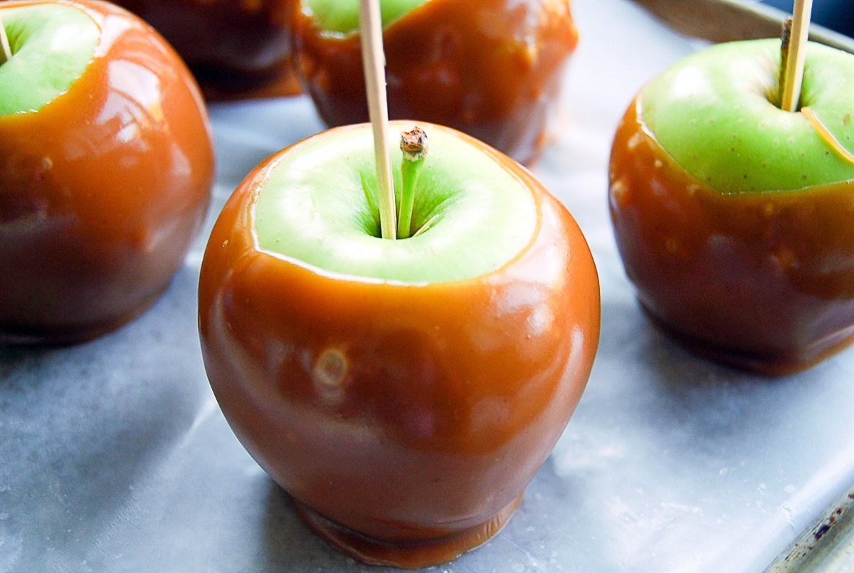 apples dipped in caramel