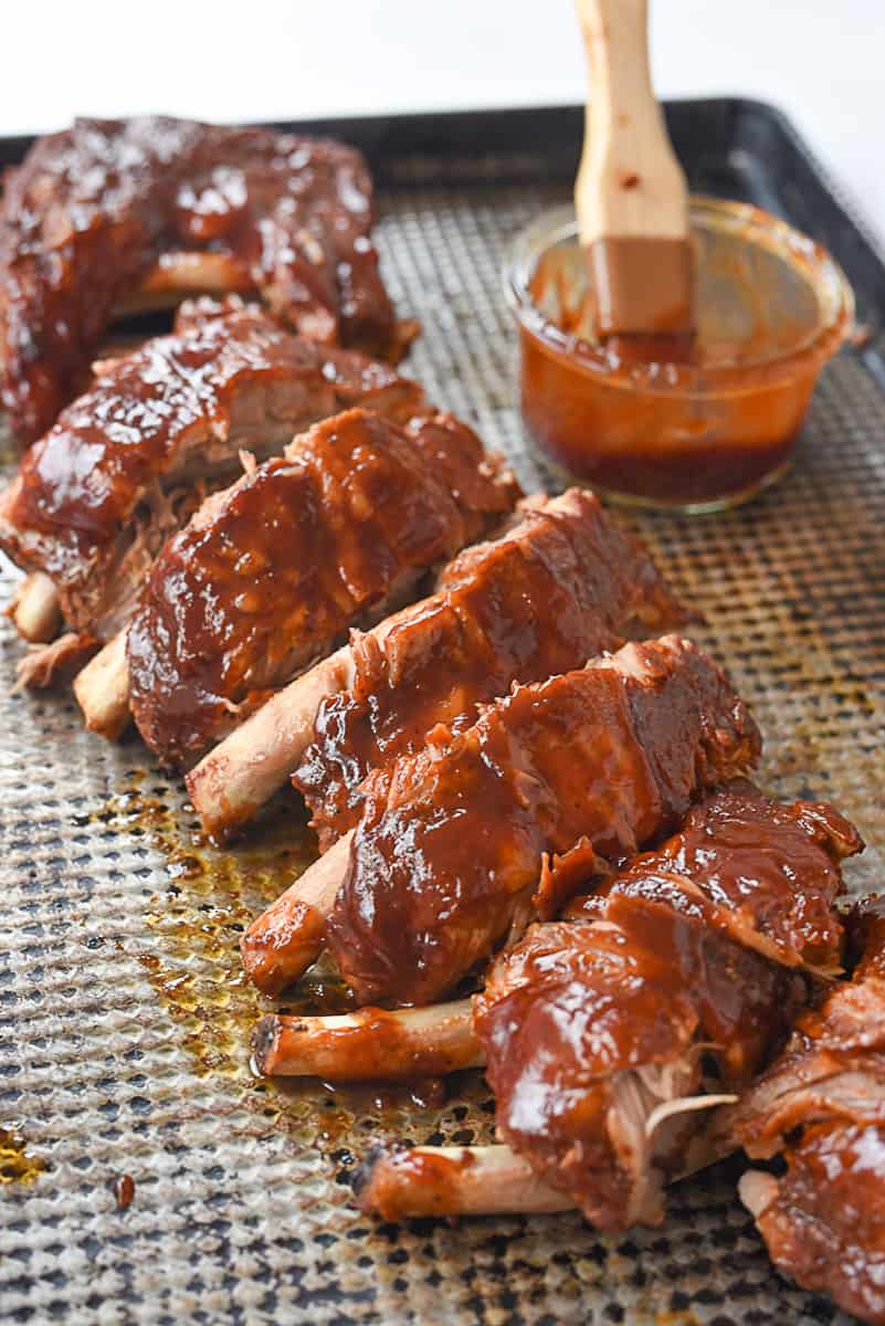tray of bbq ribs