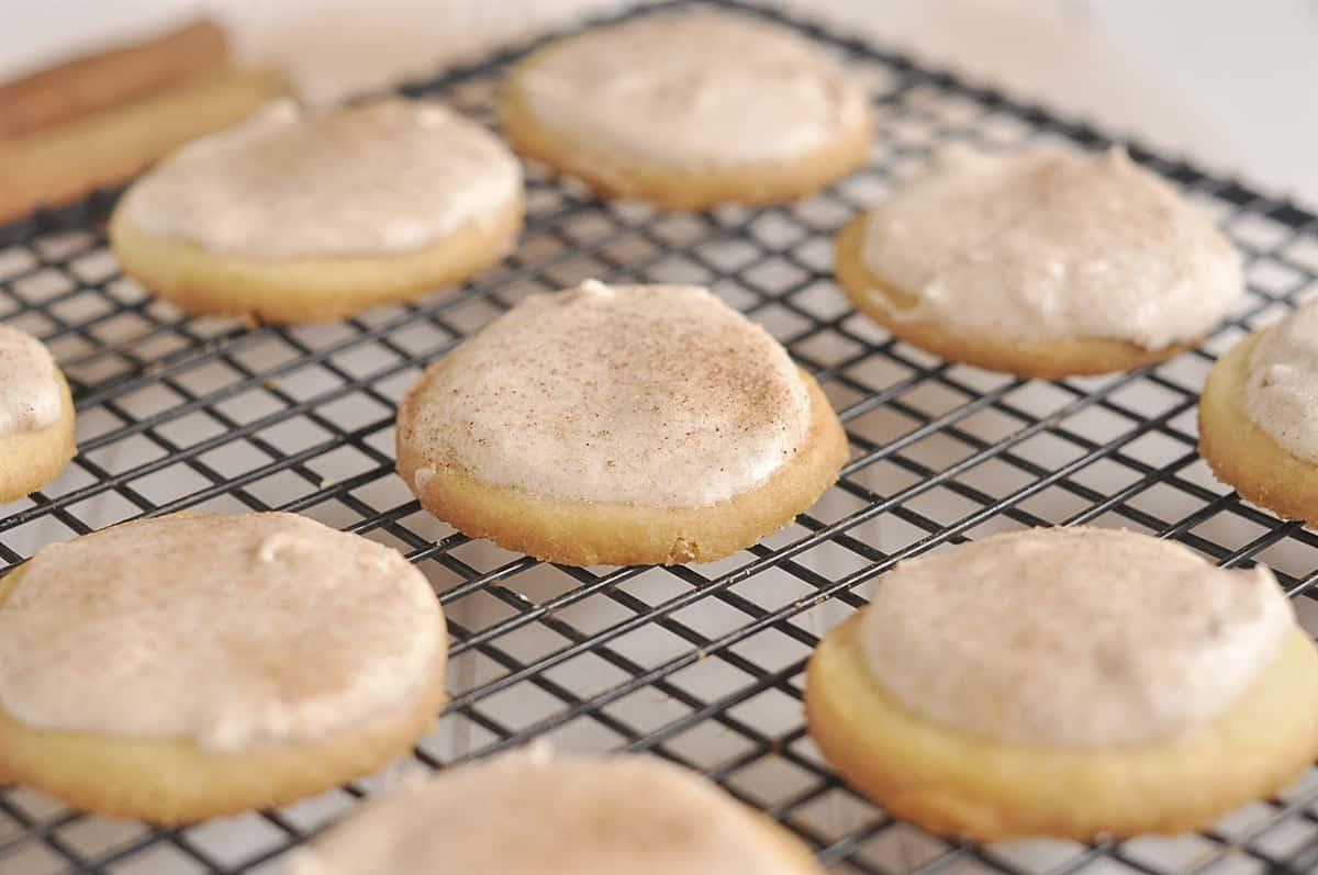 cinnamon butter cookies on cooling rack