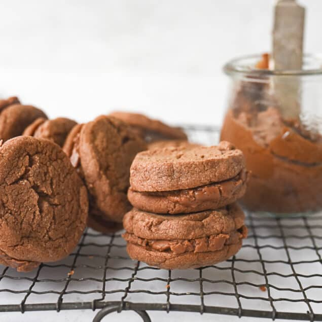 chocolate sandwich cookies a coolign rack