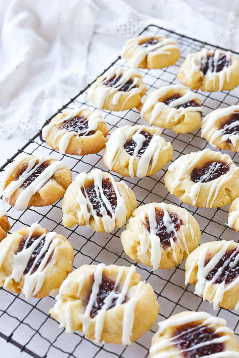 rack of raspberry shortbread cookies