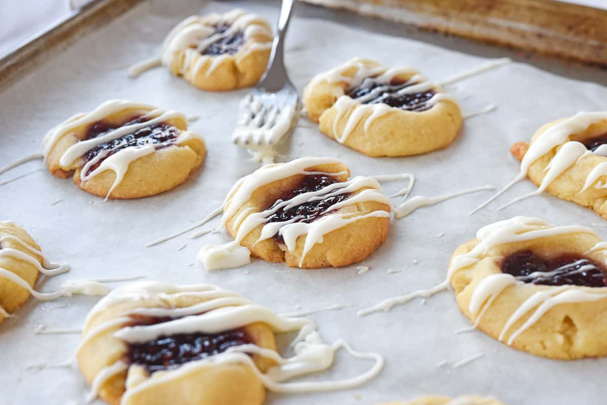 raspberry shortbread cookies  drizzled with glaze
