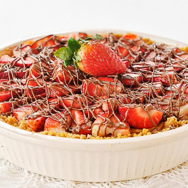 pie dish of strawberry chocolate pie