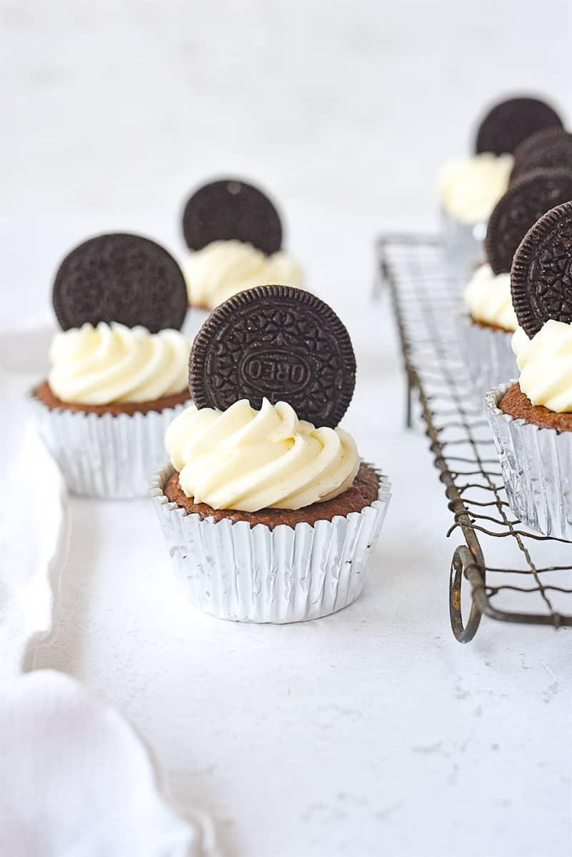 Oreo cupcakes with Oreo on top