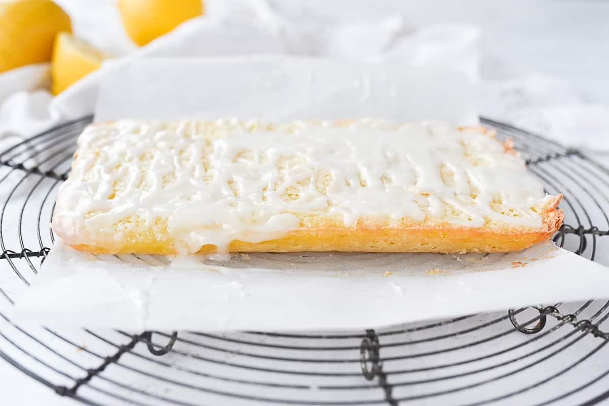 side view of lemon bars