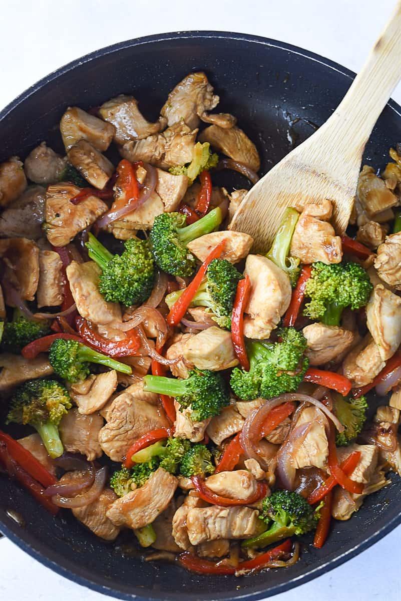 pan of chicken stir fry