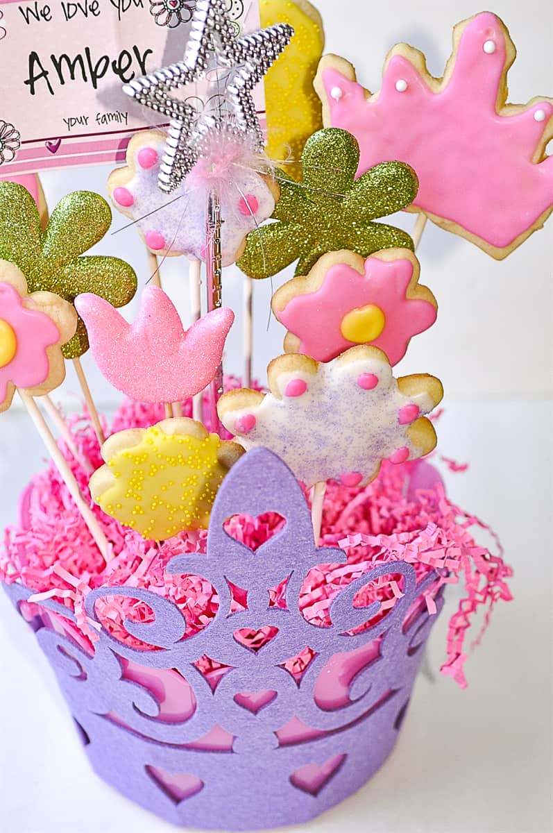 cookie bouquet in a crown