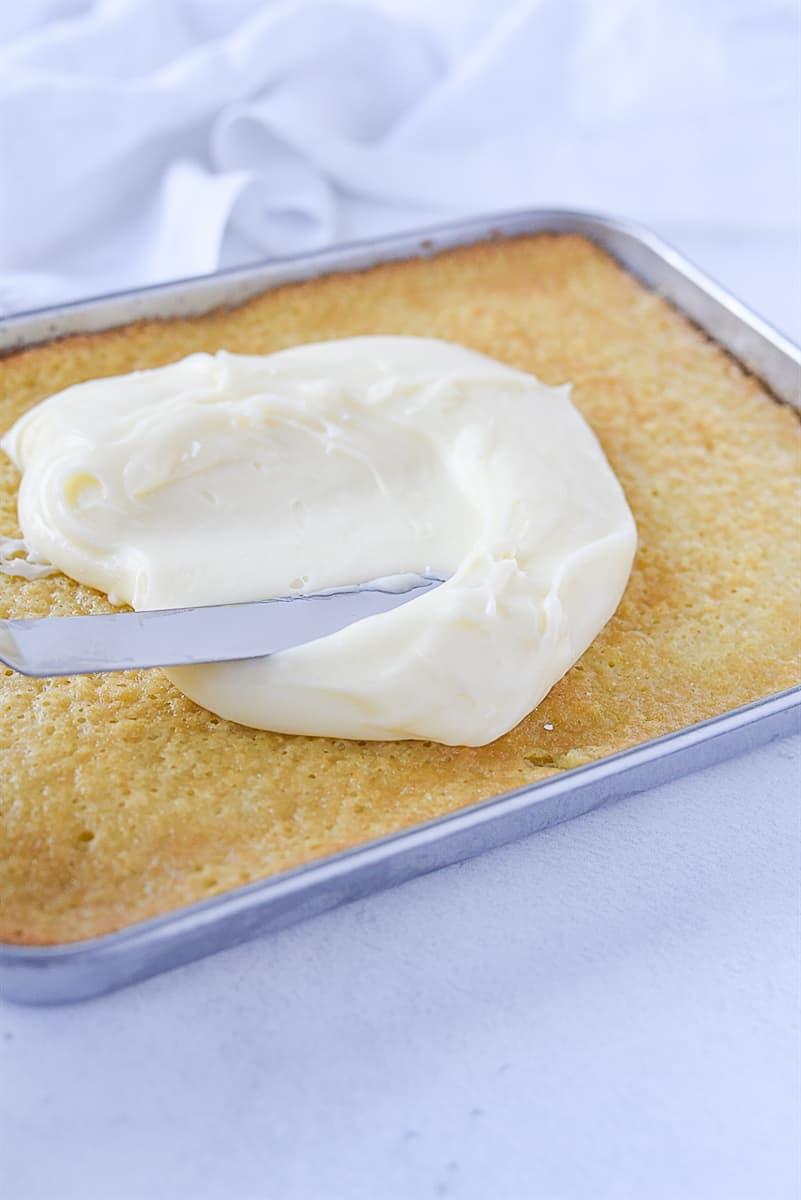 frosting texas sheet cake