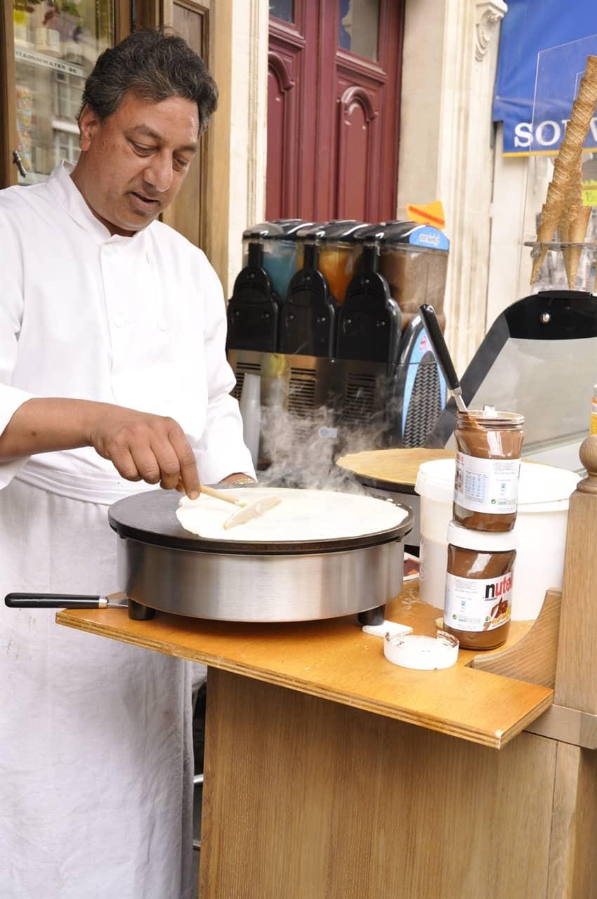 crepe maker in paris