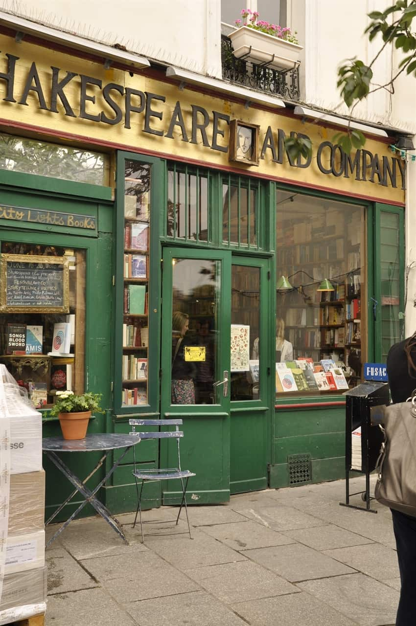 Shakespear and company book store