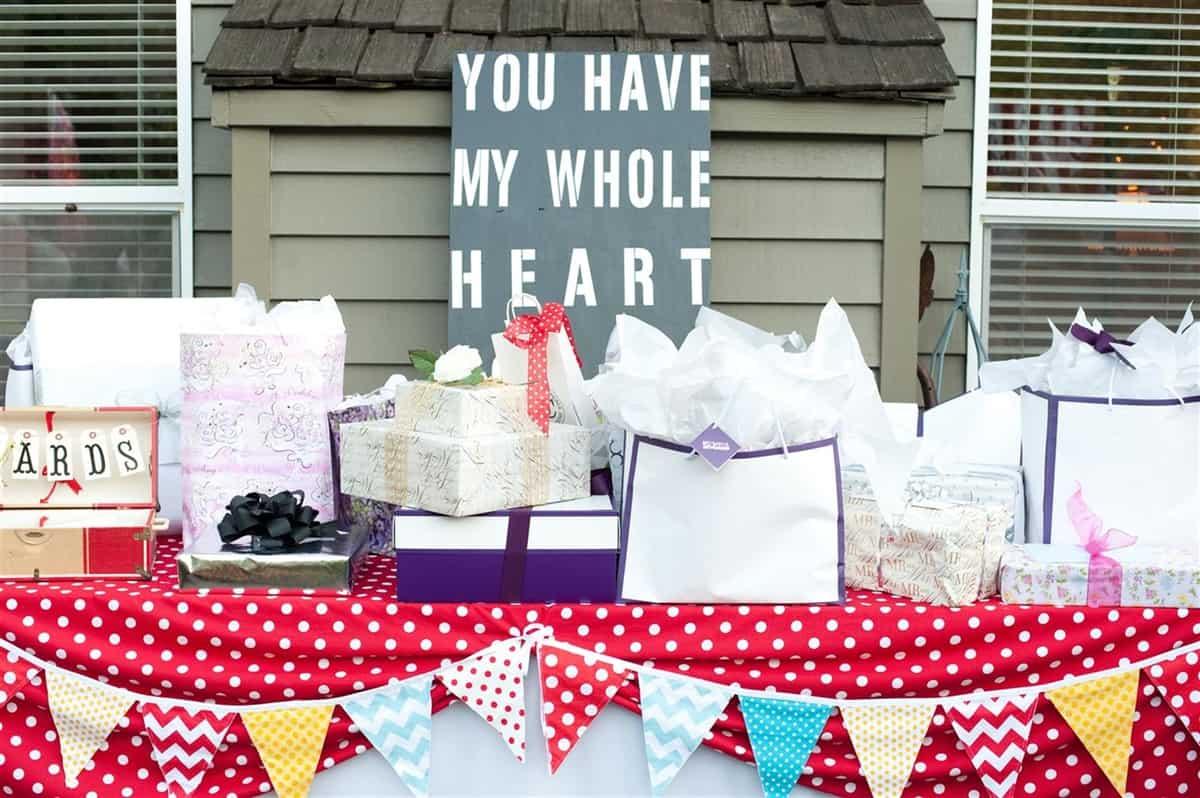 wedding carnival gift table