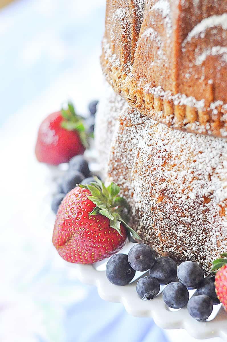 fruit garnishing bundt cake