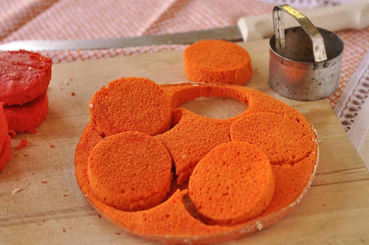 cutting out cake circles