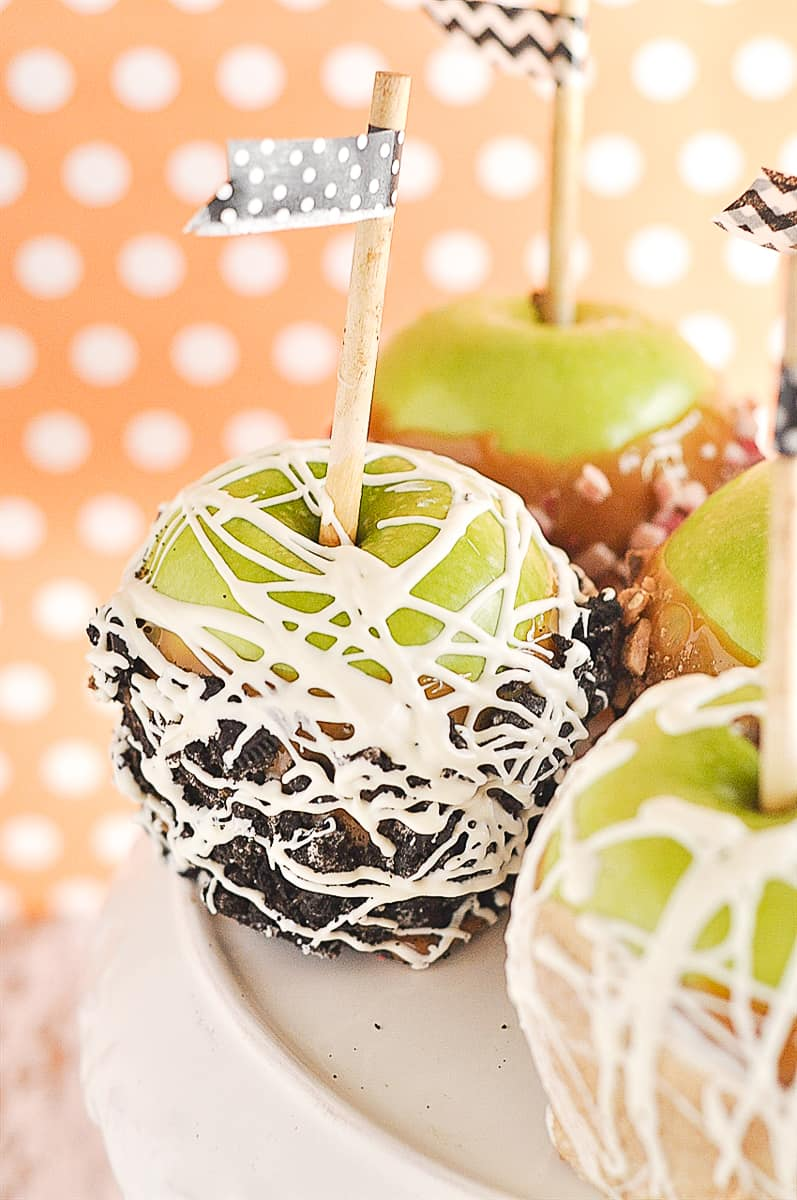 caramel apple with cookies and cream